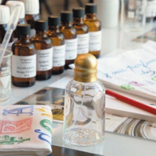 Frascos y envases para miniperfumes de boda